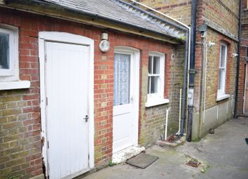 Thumbnail Studio to rent in Walton Street, Walton On The Hill