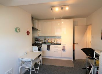 Thumbnail 2 bed flat to rent in Eldon Park, London