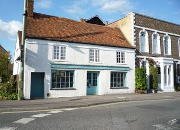 Thumbnail 2 bedroom flat to rent in High Street, Thame