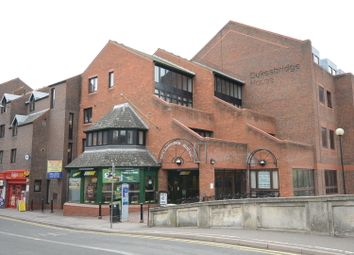 Thumbnail 1 bed flat to rent in Duke Street, Reading