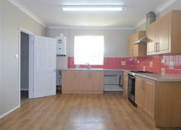 Thumbnail 3 bed flat to rent in Sutcliffe Avenue, Grimsby