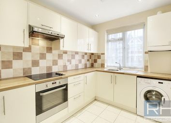 3 bed flat to rent in Arnos Grove Court, Palmers Road N11