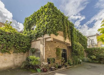 Thumbnail 2 bed property to rent in Shaftesbury Mews, London