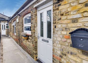 Croham Road, South Croydon CR2. 2 bed flat for sale