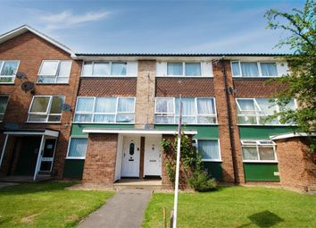 2 bed flat for sale in Compton Road, Hayes, Greater London UB3