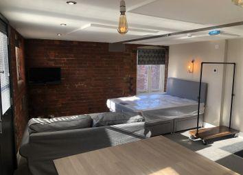 Thumbnail Studio to rent in Pier Street, Humber Street, Hull