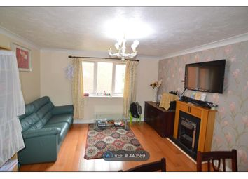 Thumbnail 2 bed flat to rent in Kings Oak Court, Reading