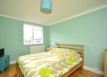 3 bed maisonette to rent in Ashchurch Terrace, Shepherd's Bush, London W12