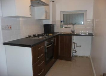 Thumbnail 3 bed flat to rent in Court Street, Whitechapel, London