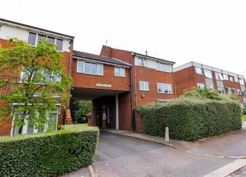 2 bed flat for sale in Chingford Avenue, London E4