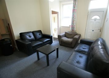 Thumbnail 5 bed property to rent in Spring Grove Walk, Hyde Park, Leeds