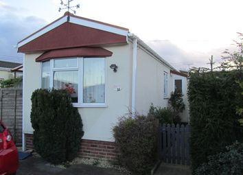 Thumbnail 1 bed mobile/park home for sale in Elm Grove Park (Ref 5549), Thatcham, Newbury, Berkshire