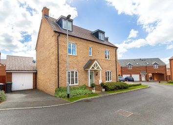 Thumbnail 4 bedroom semi-detached house for sale in Cowslip Drive, Stotfold, Hertfordshire