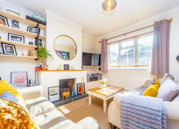 Ray Mill Road West, Maidenhead, Berkshire SL6. 2 bed terraced house