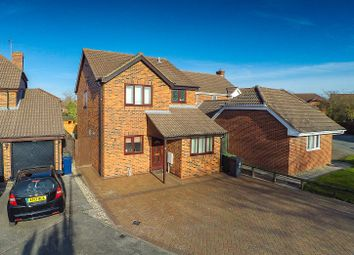 Thumbnail 4 bed detached house to rent in Coltsfoot Close, Cherry Hinton, Cambridge
