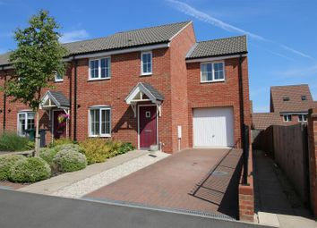 Thumbnail 4 bed town house for sale in Bull Meadow, Calverton, Nottingham