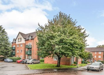 2 bed flat for sale in Admirals Court, Reading RG1