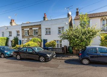 3 bed property to rent in Trinity Road, London N2