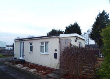 Thumbnail 2 bed mobile/park home for sale in Caddington Park, Skimpot Lane, Skimpot, Luton