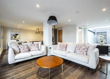 Thumbnail 3 bedroom flat for sale in Downham Road, London
