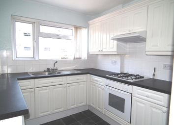 2 bed flat to rent in Orchard Court, Walton On Thames, Surrey KT12