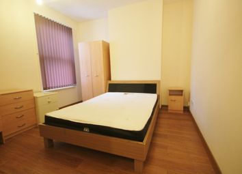 Thumbnail 5 bed flat to rent in Braunstone Gate, West End, Leicester