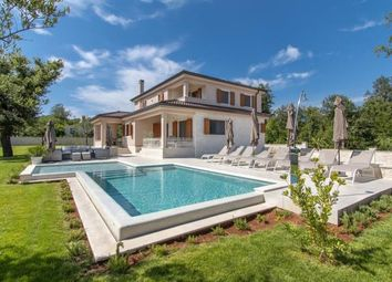 Thumbnail 4 bed country house for sale in Villa With Swimming Pool, Rovinj, Istria, Croatia