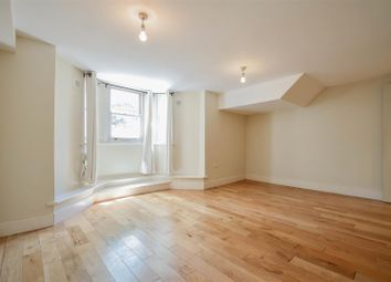 3 bed maisonette to rent in Narford Road, London E5