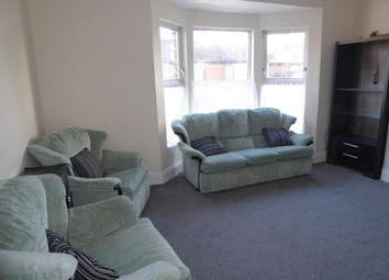 Thumbnail 1 bedroom flat to rent in Chanterlands Avenue, Hull