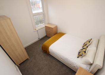 Thumbnail Room to rent in Thames Avenue, Reading