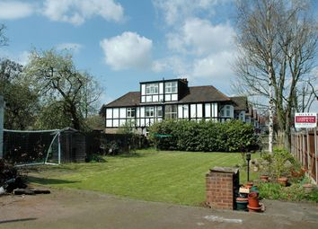 Thumbnail 7 bed terraced house to rent in Sidmouth Road, Willesden Green