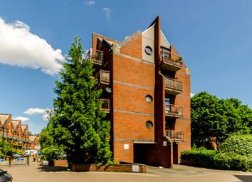 Thumbnail 1 bed flat to rent in Mayflower Street, Rotherhithe