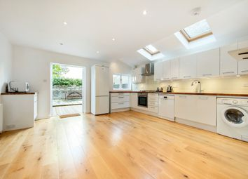 Thumbnail 3 bedroom flat to rent in Plato Road, Brixton, London
