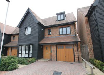 Thumbnail 6 bed detached house for sale in Bridgefields Close, Hornchurch