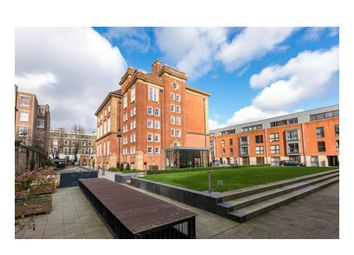 Thumbnail 2 bed flat for sale in Barnsbury Place, London