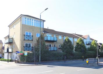 2 bed flat for sale in Talehangers Close, Bexleyheath DA6