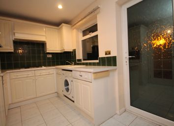 Thumbnail 3 bed property to rent in Glaven Road, Aylesbury