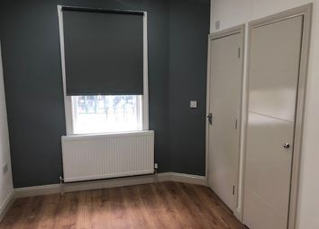 Thumbnail Studio to rent in Whitehorse Road, Thornton Heath