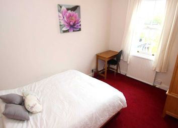 Thumbnail Room to rent in Essex Street Room, Reading