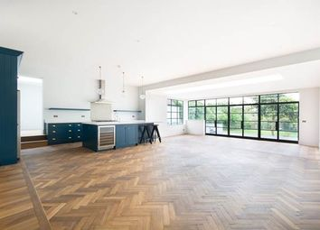 Thumbnail 6 bed property to rent in The Avenue, London