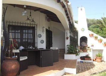Thumbnail 3 bed villa for sale in Portugal, Algarve, Alvor