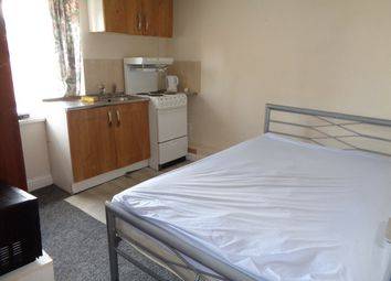 Thumbnail Room to rent in Little Hortonlane, Bradford