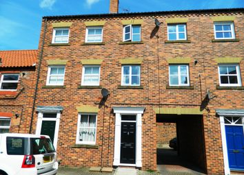 Thumbnail 3 bed town house to rent in St Johns Street, Howden