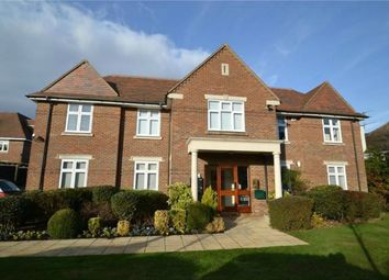 Thumbnail 2 bed flat for sale in 32 Gills Hill, Radlett, Hertfordshire