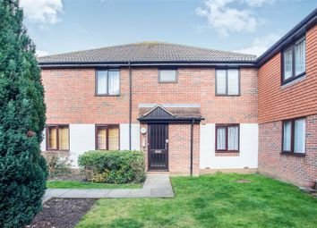 Thumbnail 1 bed flat for sale in Chelsea Gardens, Sutton