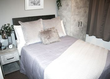 Thumbnail 5 bed shared accommodation to rent in Earlsmere Avenue, Doncaster, Balby