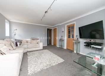 Shrub End Road, Colchester CO3. 2 bed flat for sale