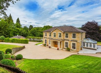 Lunghurst Road, Woldingham, Caterham, Surrey CR3. 5 bed detached house