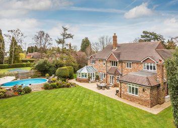 Lunghurst Road, Woldingham, Caterham, Surrey CR3. 5 bed detached house