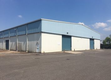 Thumbnail Warehouse to let in Vincients Road, Chippenham